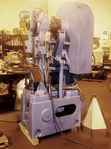 Stokes Powder Compacting Tablet Press- Model 526-1 (R4)